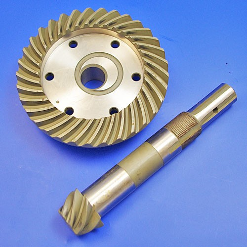 crown wheel & pinion gear 4.7 to 1 ratio